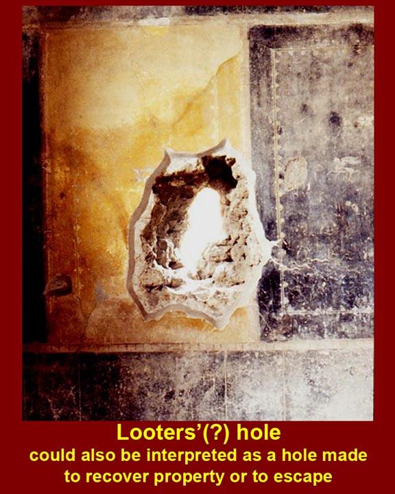 http://www.mmdtkw.org/ALRIVes0210LooterHole1.jpg