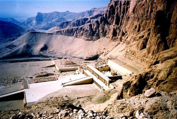 http://www.mmdtkw.org/HatshepsutTemple.jpg