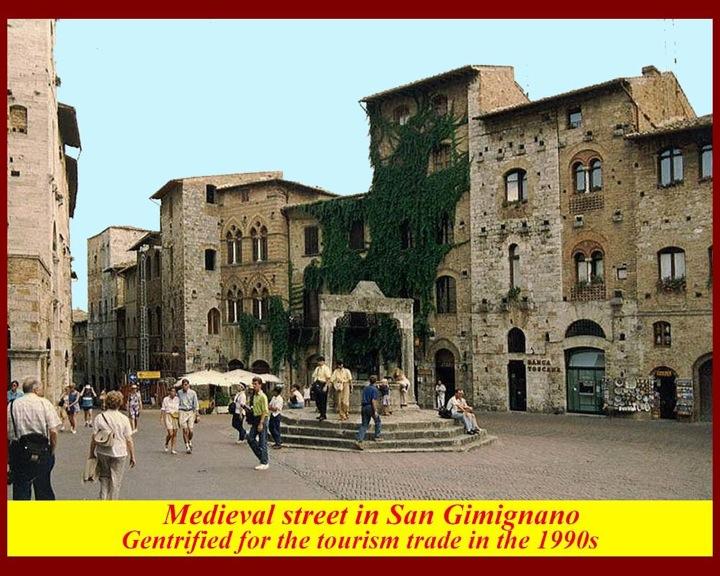 http://www.mmdtkw.org/RenRom0107b-SanGimignano.jpg